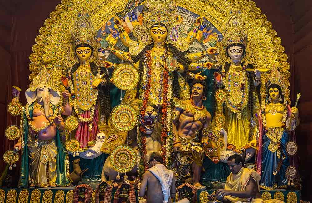 Kalighat action in Dadar | Durga Puja in Mumbai