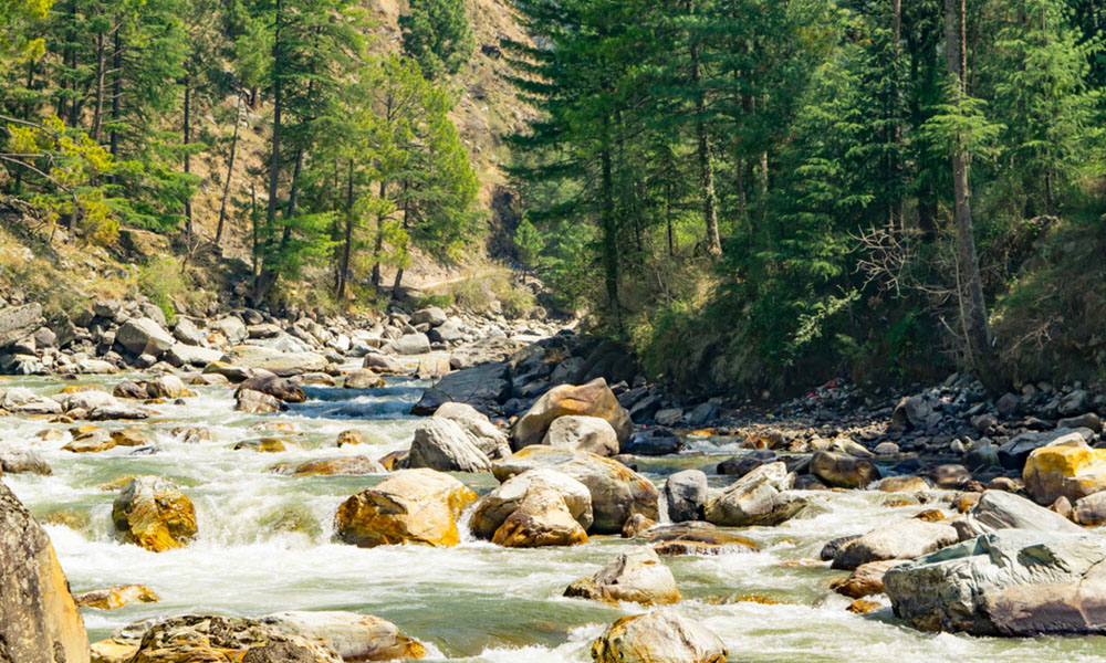 Kasol (520 km) | offbeat weekend getaways from delhi