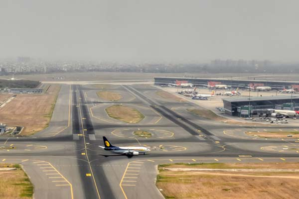 10 Busiest Airports in India - FabHotels | Official Blog