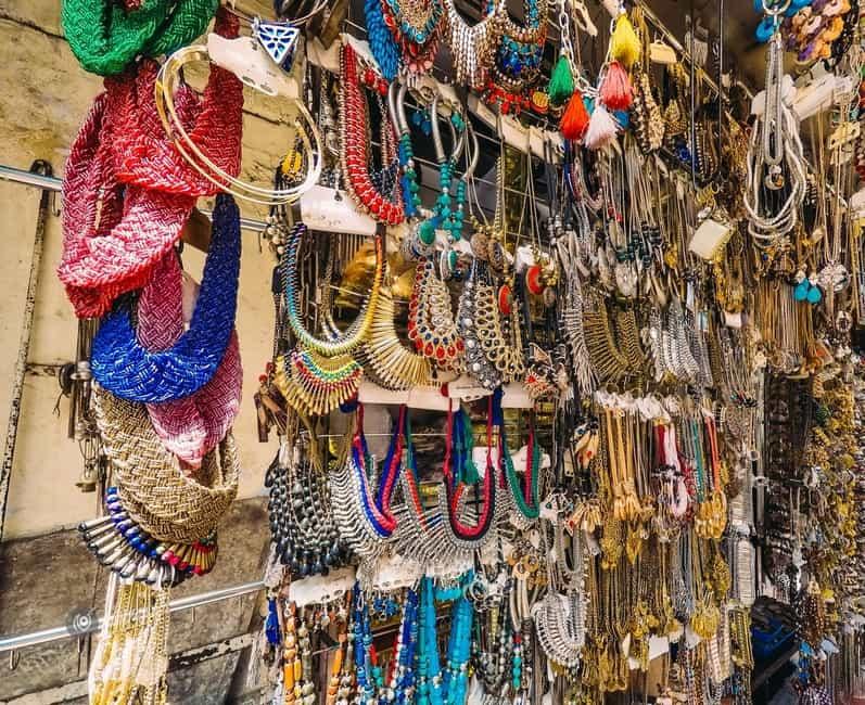 Colaba Causeway Market, Mumbai
