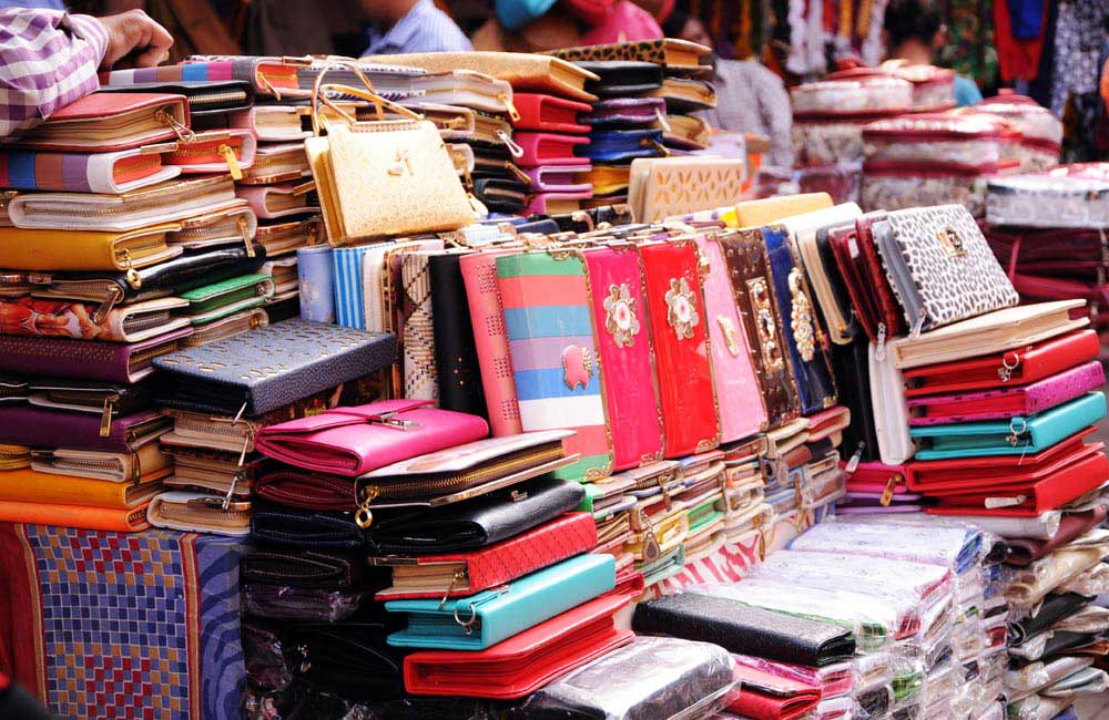 Sarojini Nagar, Delhi| Most Iconic Markets in India for Shopping