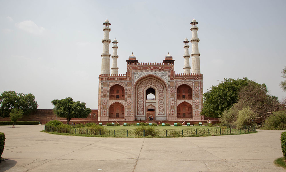 Akbar's Tomb | Best Places to Visit on Agra Trip