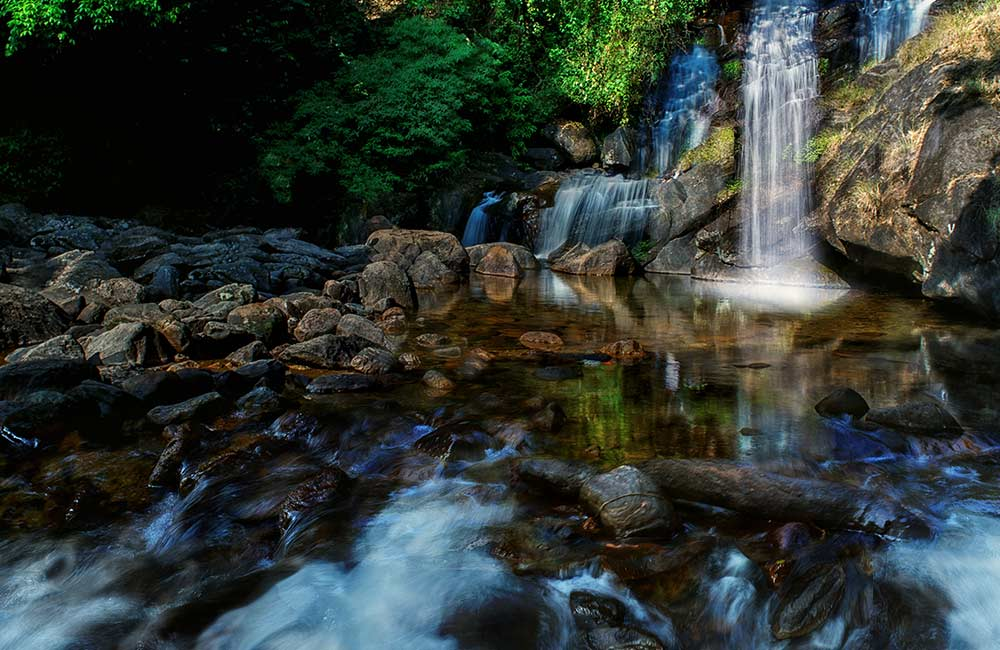Lakkom Water Falls | Best Places to Visit on Munnar Tour