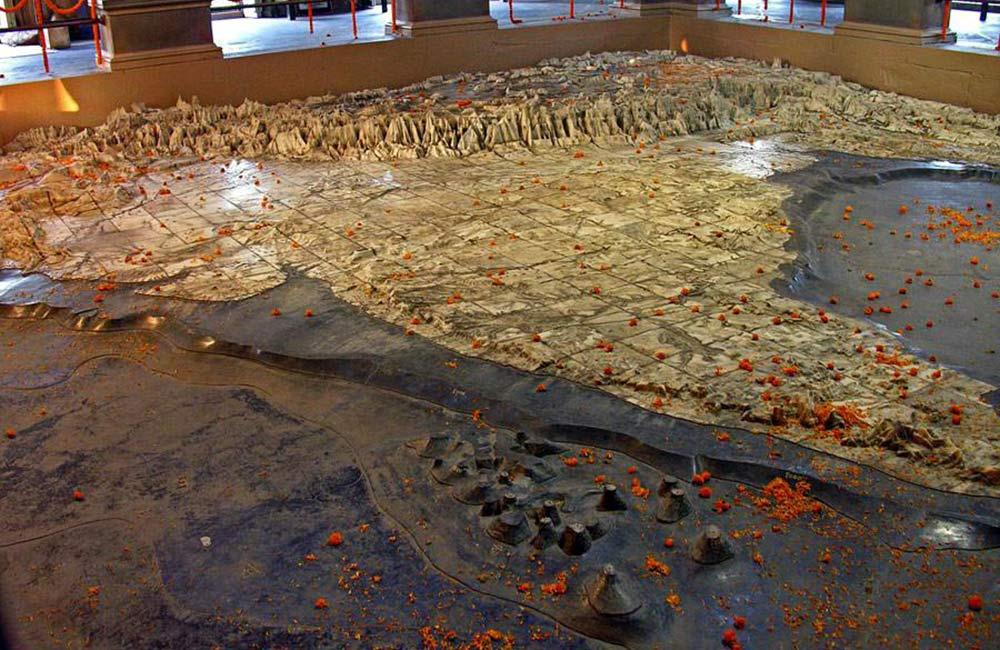 भारत माता मंदिर |  वाराणसी में घूमने की जगहें