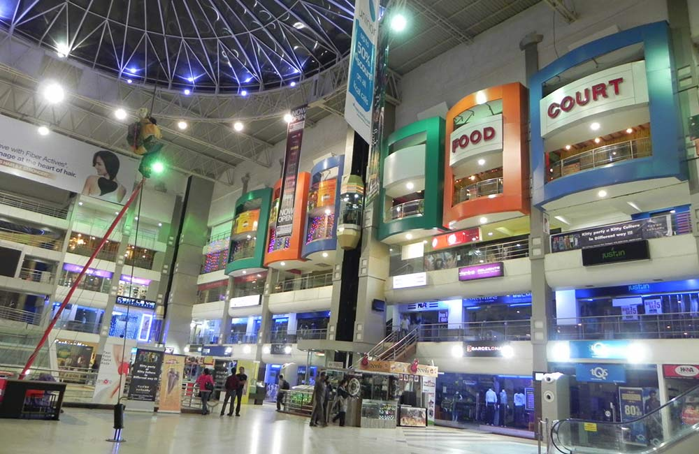 Shopping Malls in Ahmedabad: 10 Acres Shopping Mall