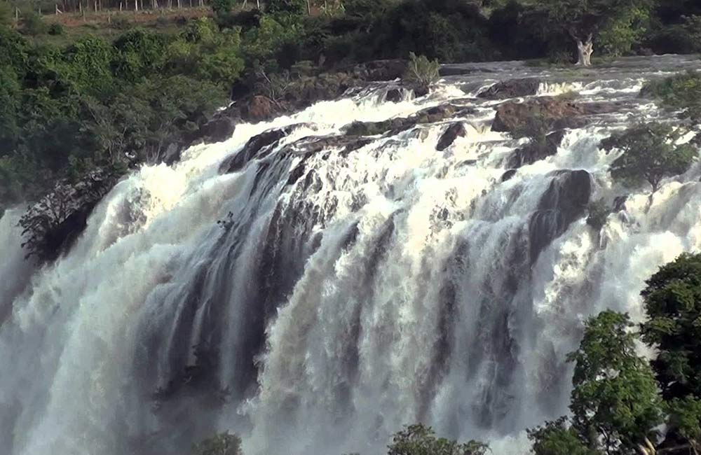Chunchi Falls | Among the Best Waterfalls near Bangalore withing 100 km