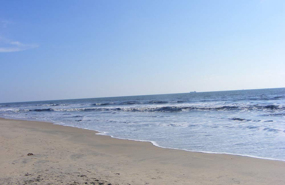 Puthuvype Beach | Among the Best Beaches near Kochi