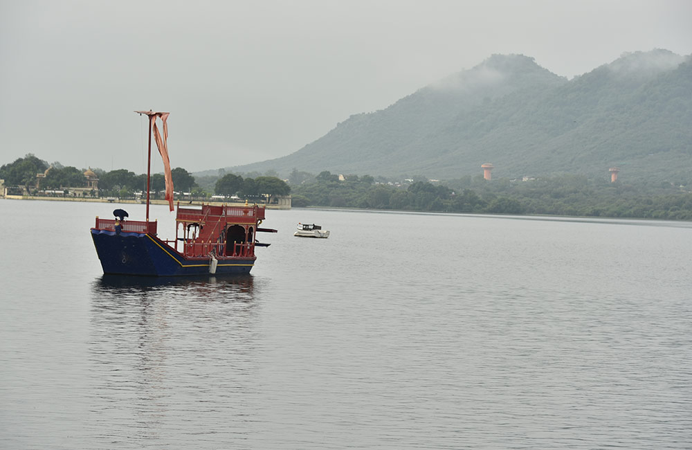 Offbeat Places to Visit in Udaipur: Ambrai Ghat