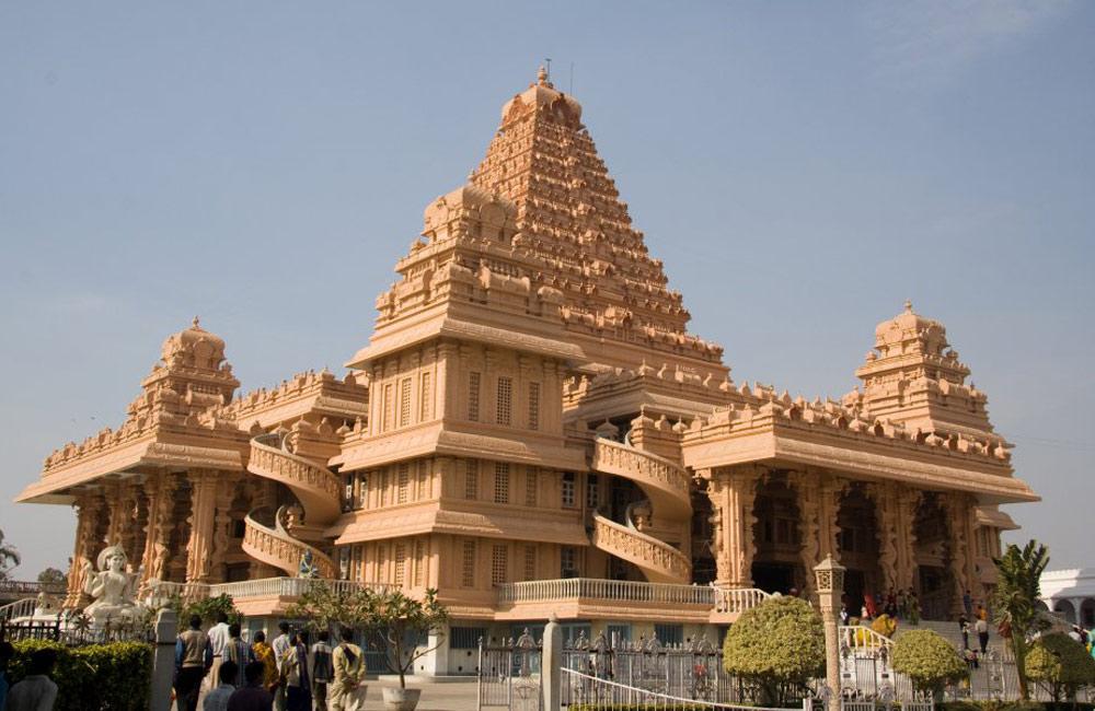 Chhatarpur Mandir, Chhatarpur | Among the Most Famous Temples in Delhi