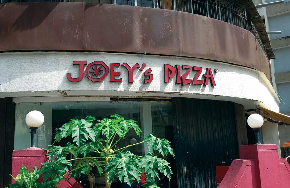 Joey's Pizza | Among the Top Affordable Restaurants in Mumbai