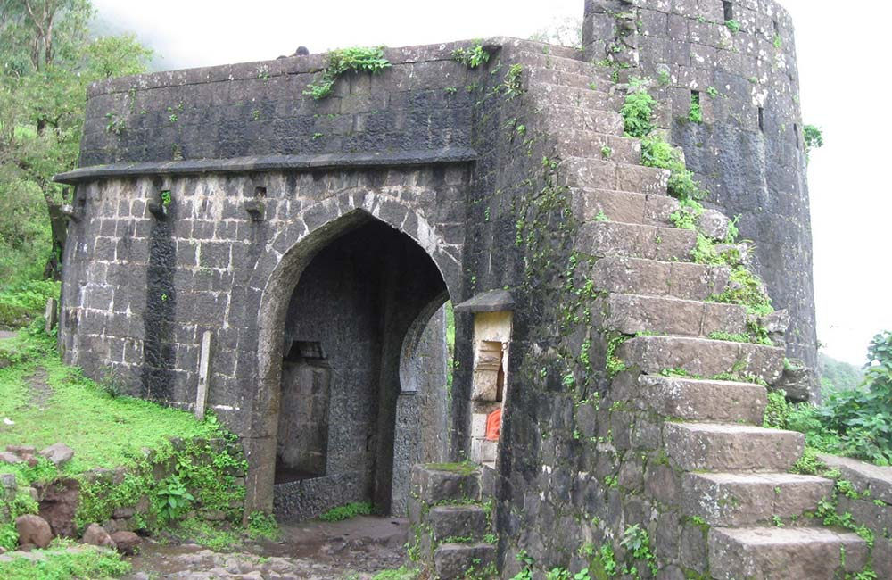Purandar Fort | Forts near Pune within 100 km