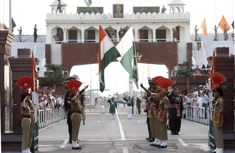Watch the Change of Guard ceremony at Wagah Border | 2 Days Itinerary Amritsar