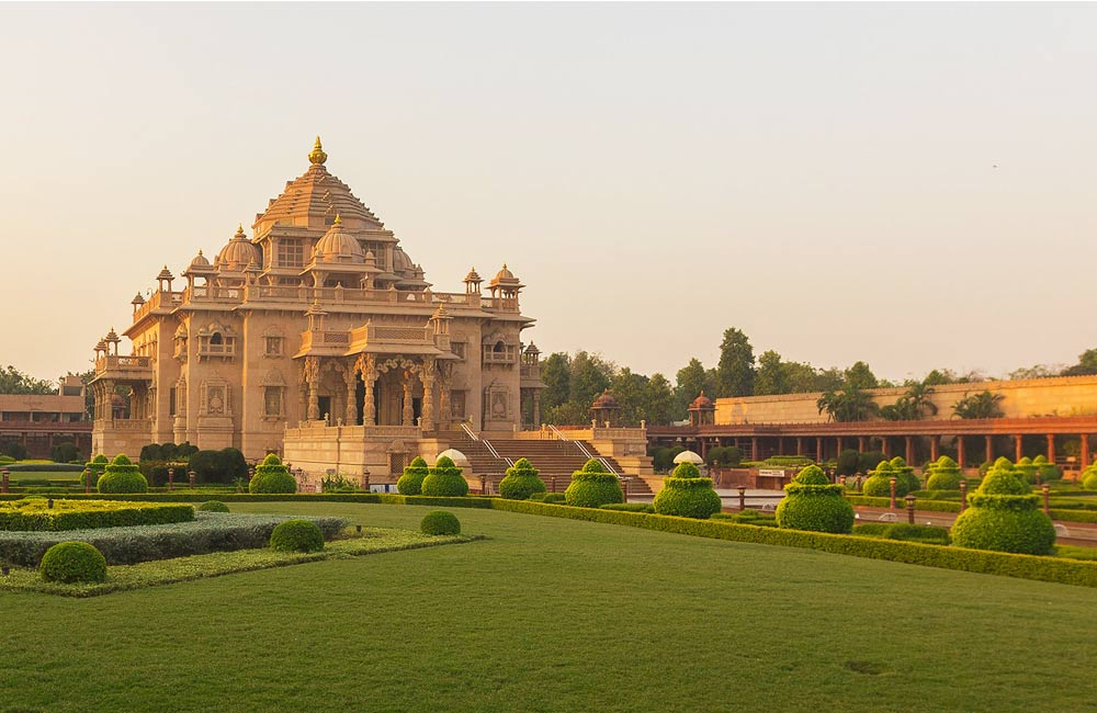Akshardham Temple | Among the Best Places to Visit near Ahmedabad within 100 km