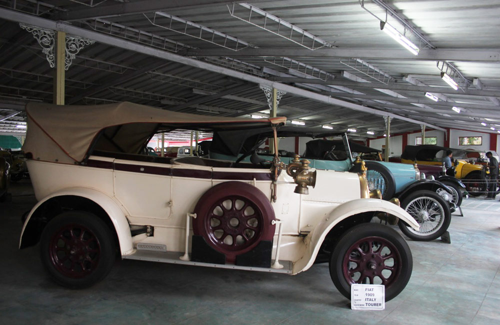 Auto World Vintage Car Museum - Among the Best Tourist Places in Ahmedabad