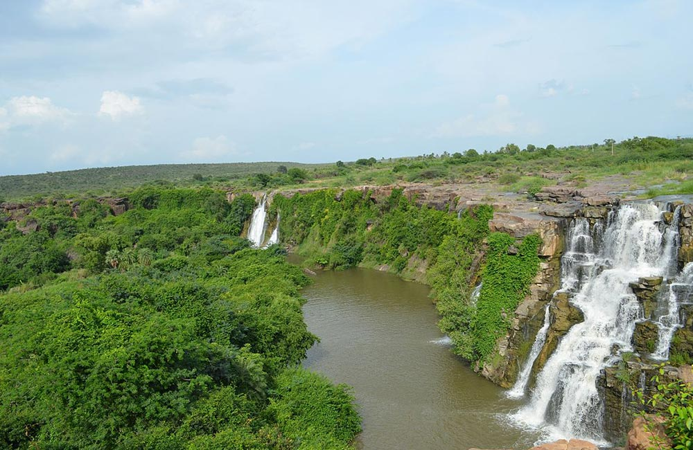 Ethipothala Waterfalls near Chennai within 500 km