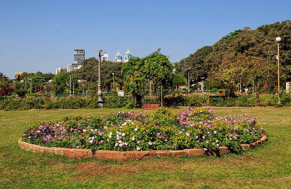 Hanging Garden | Places to Hangout in Mumbai for Couples