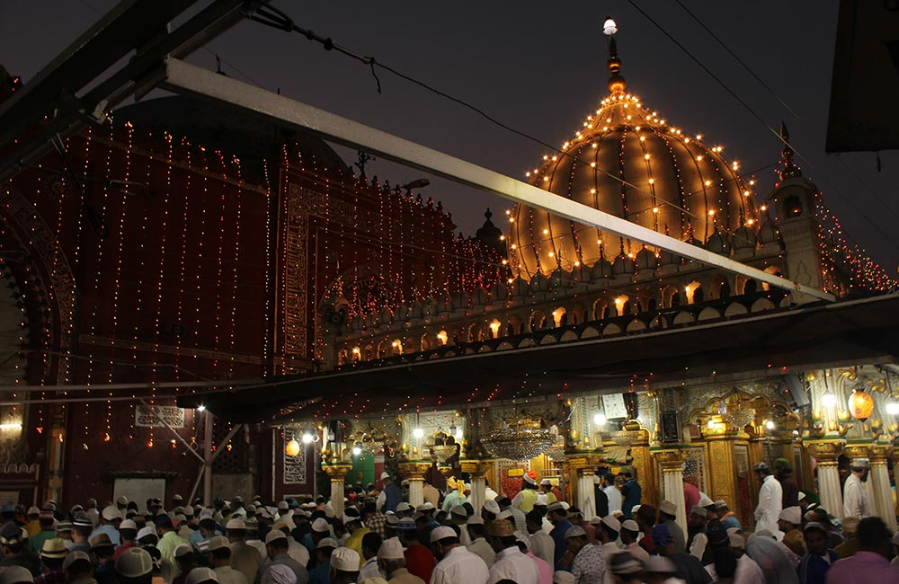 Places to Visit in Delhi at Night Alone