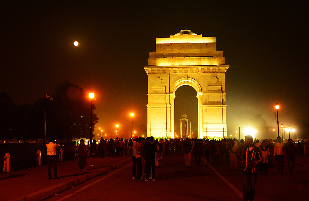delhi places night visit fabhotels