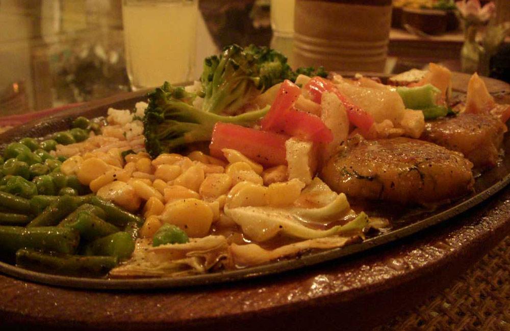 San's Sizzlers | restaurants in vadodara for dinner