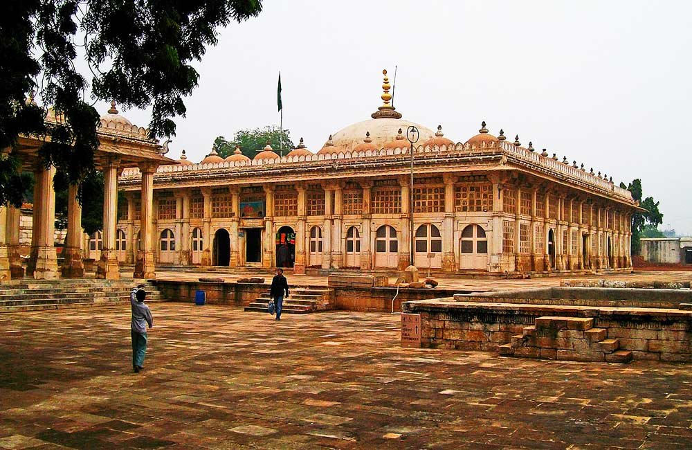 Sarkhej Roza | Among the Best Tourist Places in Ahmendabad