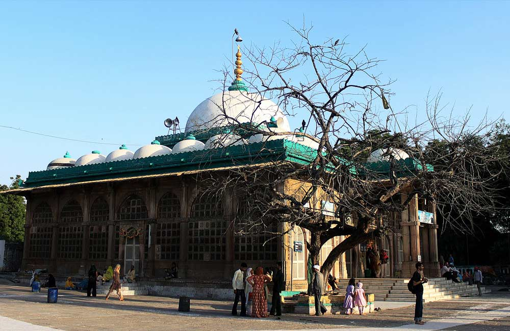 Shah-e-Alam's Roza | Among the Best Tourist Places in Ahmendabad