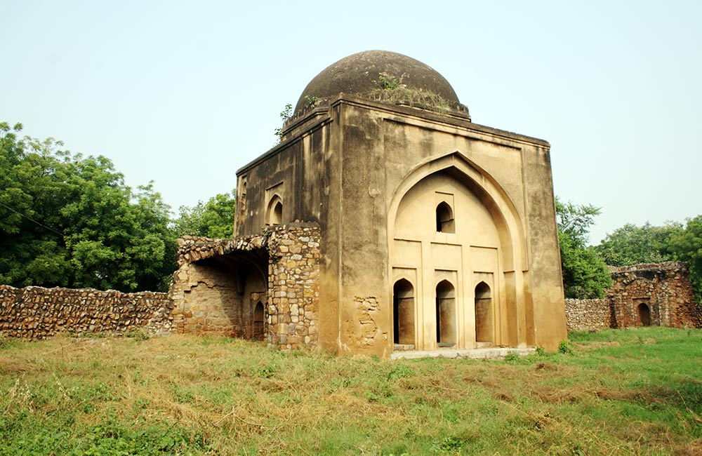 Siri Fort | Forts in Delhi to Visit