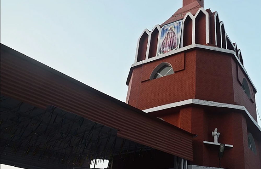St. Luke's Church | Best Roman Catholic Church in South Extension, New Delhi