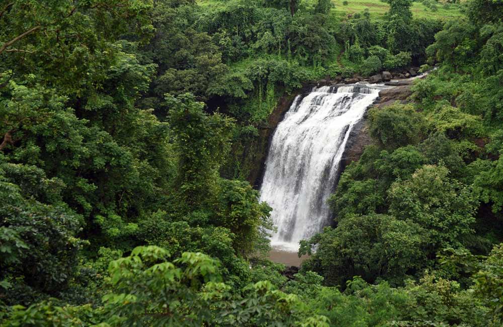 Vihigaon Waterfalls
