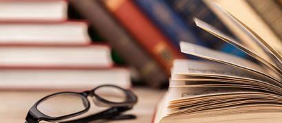 किताबें पढ़ने के शौकीनों के लिए मुंबई में पांच बेहतरीन बुक कैफेज़
