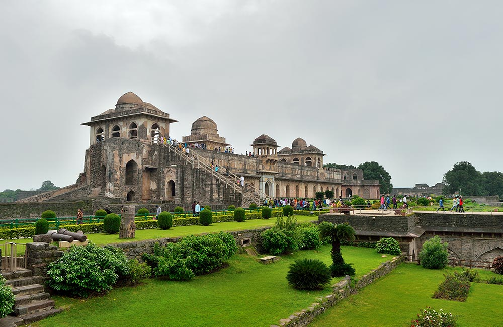 Mandu, Madhya Pradesh (366 km) | Hill Stations near Ahmedabad within 400 km