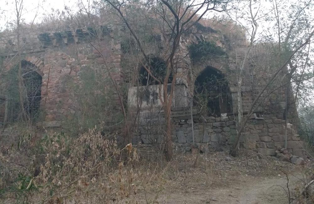 Malcha Mahal, Delhi – Suicide of a Princess by Drinking Crushed Diamonds