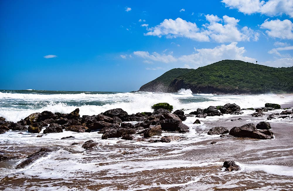 Top 7 Beaches in Vizag, Visakhapatnam Beaches - FabHotels com