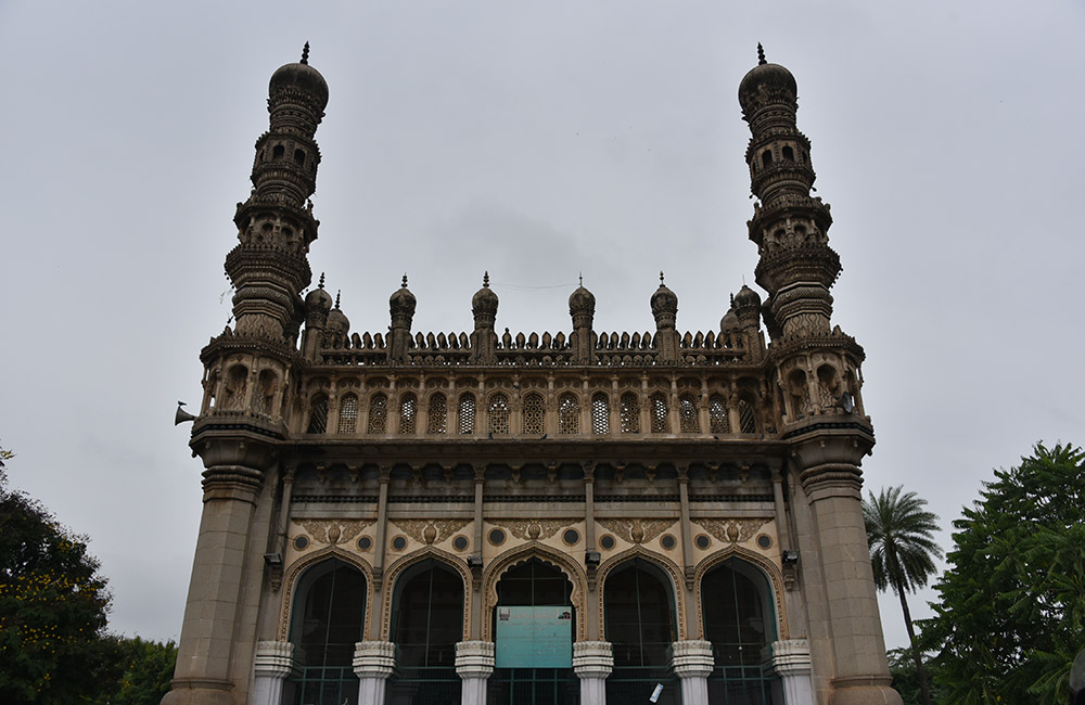 Toli Masjid | Best Historical Places in Hyderabad