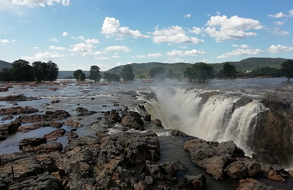 Hogenakkal Falls   # 15 of 20 Picnic Spots near Bangalore