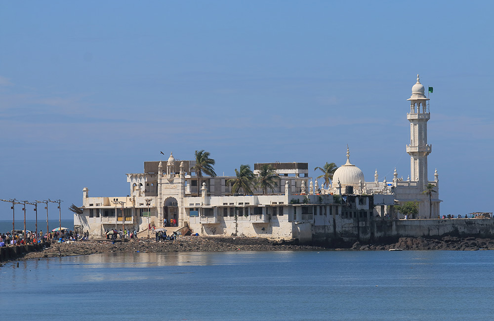 Haji Ali Dargah | Among The Best Places to Visit in Mumbai with Family