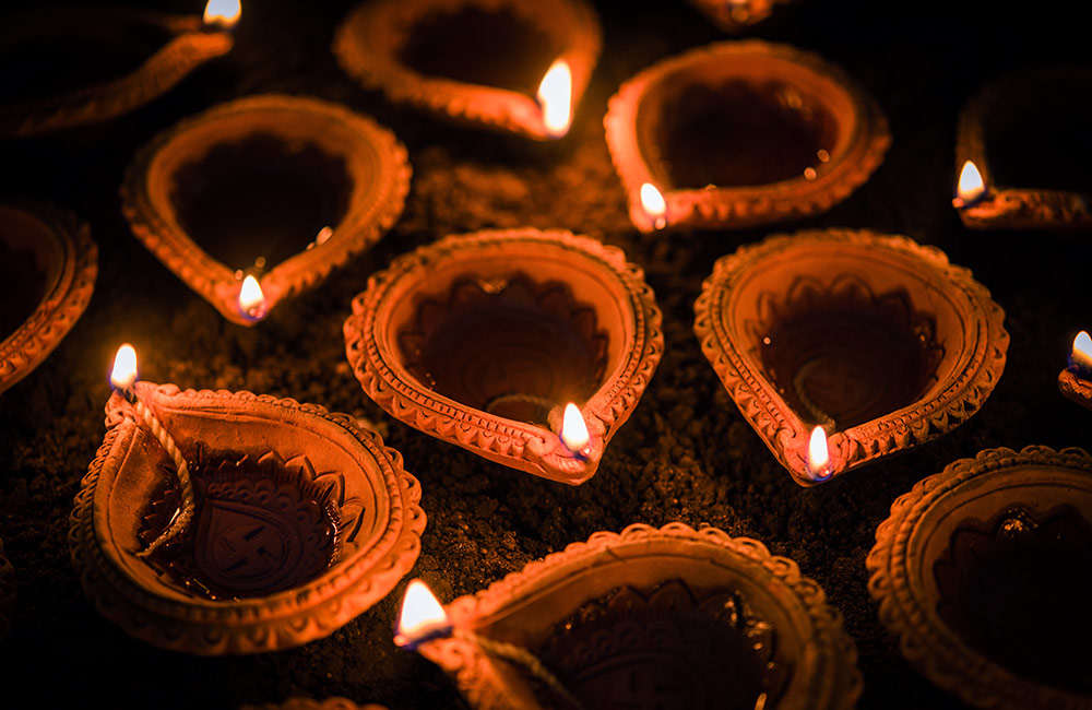 Bask in the Glow of Traditional Diyas