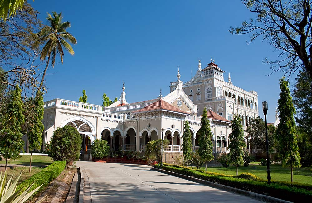 Visiting Aga Khan Palace | Things to do in Pune Alone