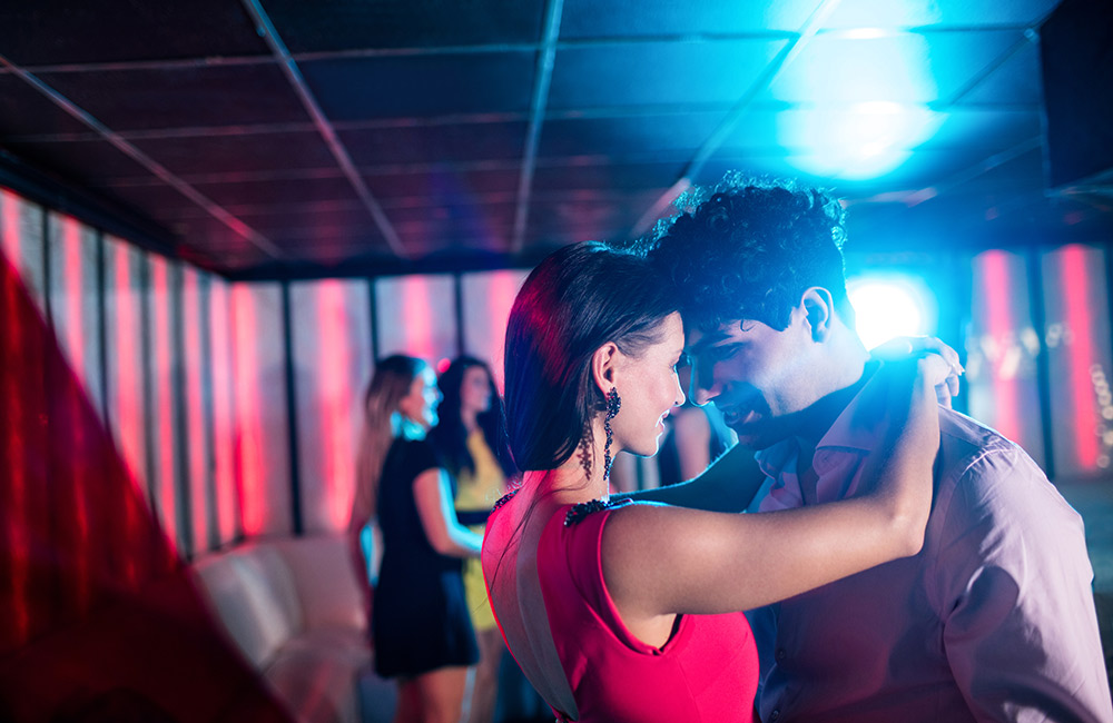 Enjoying Dance   Best Night Out Places in Bangalore for Couples