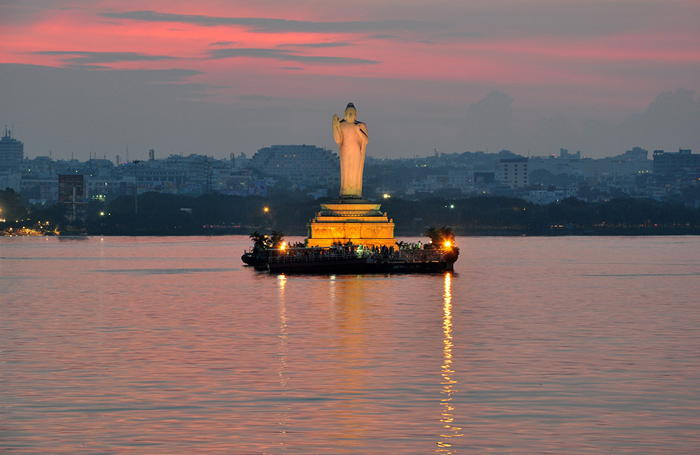 Hussain Sagar Lake | #3 of 11 Best Places to visit in Hyderabad at Night