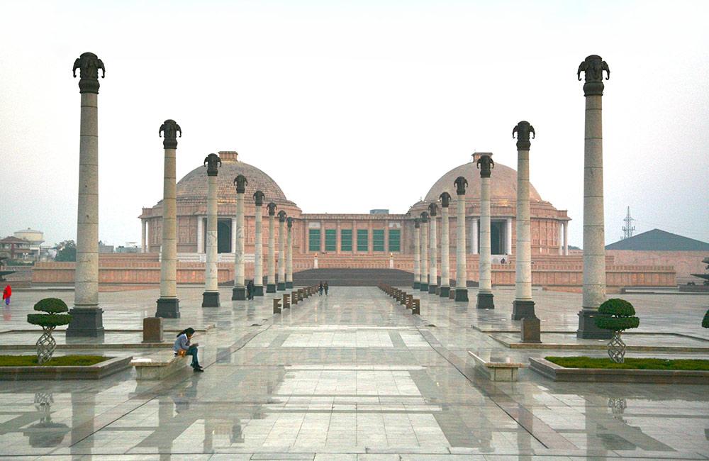 Ambedkar Park, Lucknow