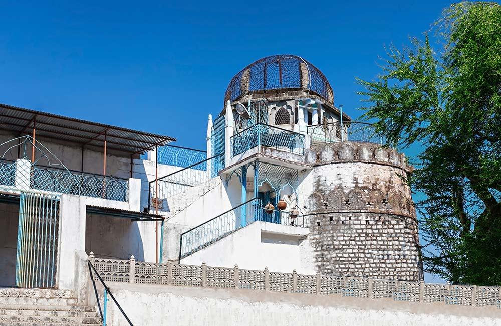Dhai-Seedi-Ki-Masjid