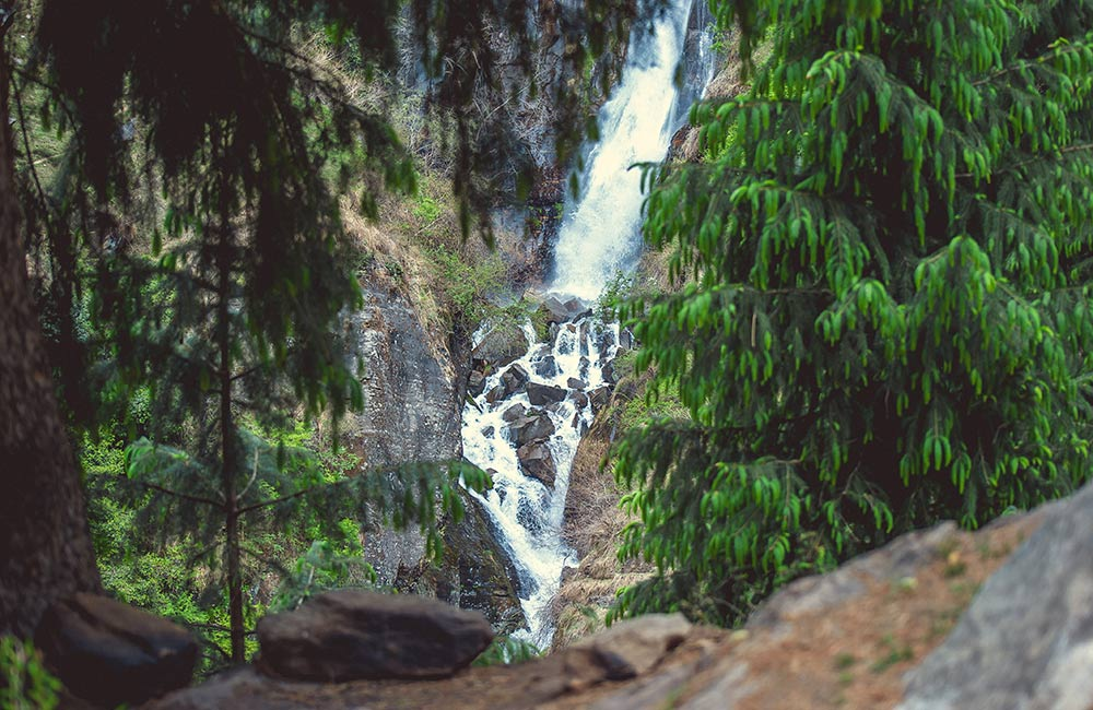 Jogini Waterfalls, Manali