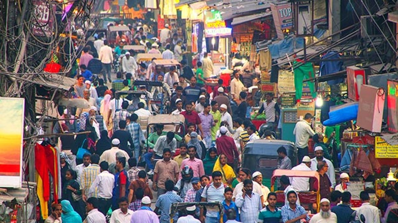 A Guide To Shopping In Chandni Chowk Market Delhi Fabhotels