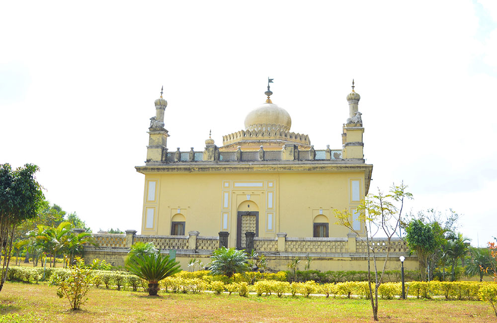 Raja's Tomb, Coorg