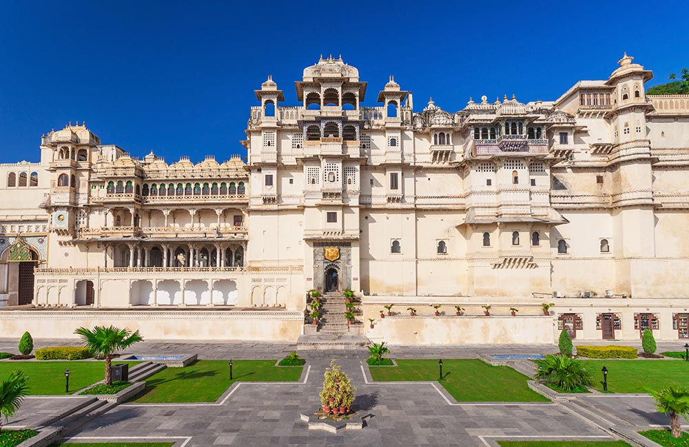 Take a Tour of the City Palace, Udaipur