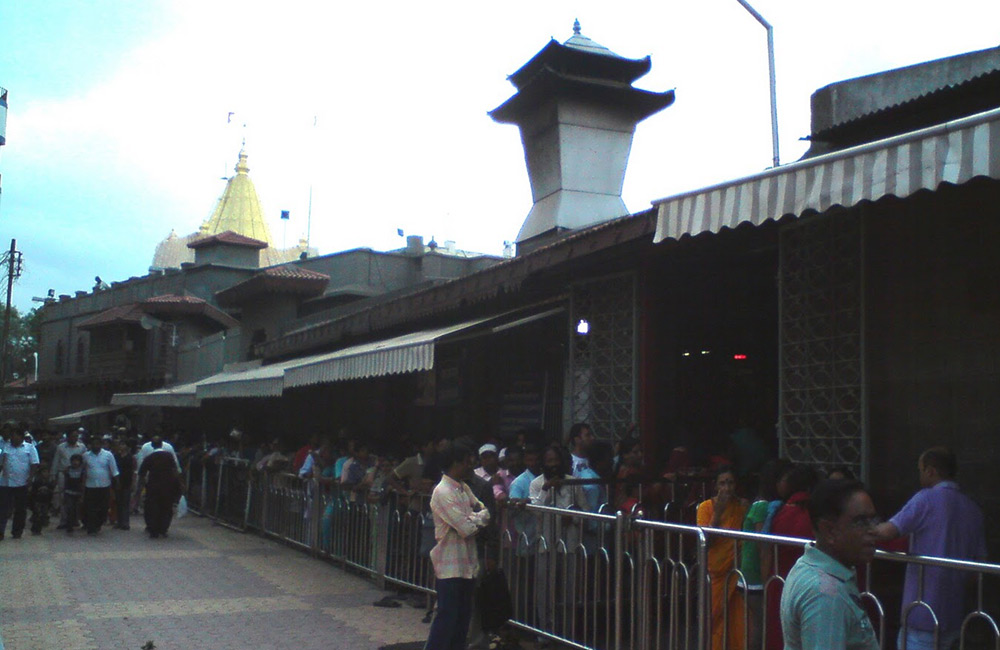Dwarkamai Mosque, Shirdi