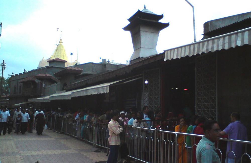 Dwarkamai Mosque, Shirdi