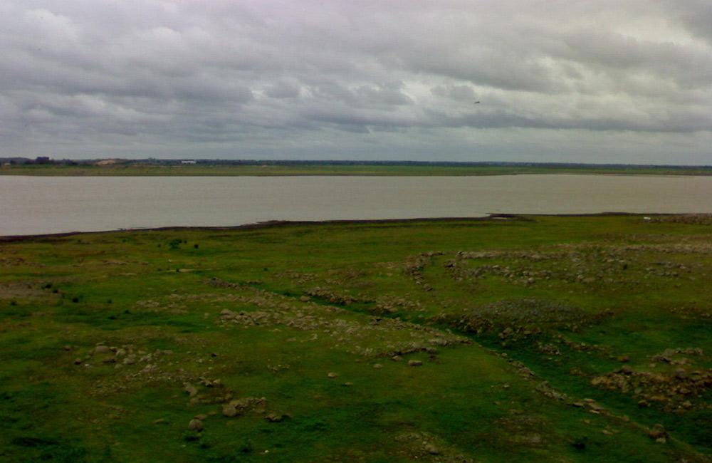 Himayat Sagar Lake