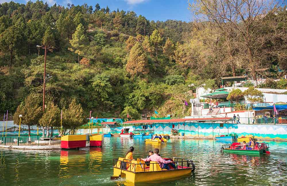 Enjoy Boating on Mussoorie Lake