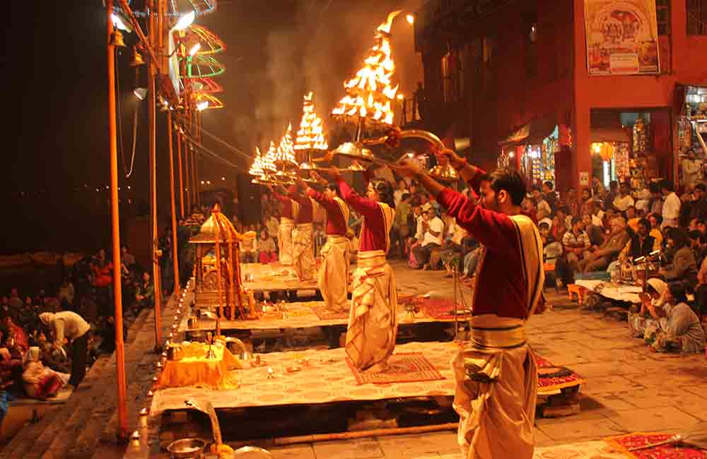 Aarti at Dashwamedha Ghat
